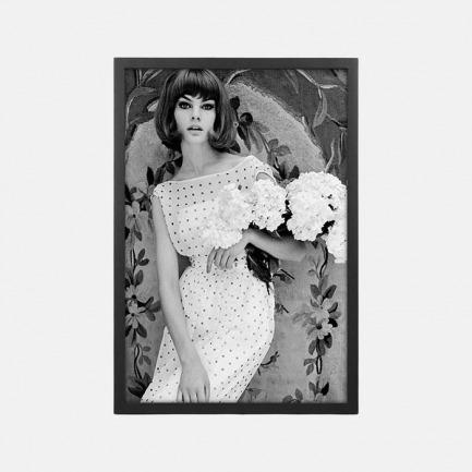 经典摄影装饰画 白裙女子 | Jean Shrimpton优雅出镜