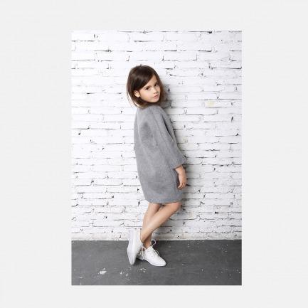 灰色廓形大衣