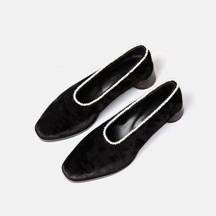 丝绒珍珠低跟鞋 | 小众独特又具艺术感的美鞋