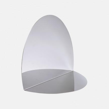 被弯折的镜子   椭圆形 不锈钢材质