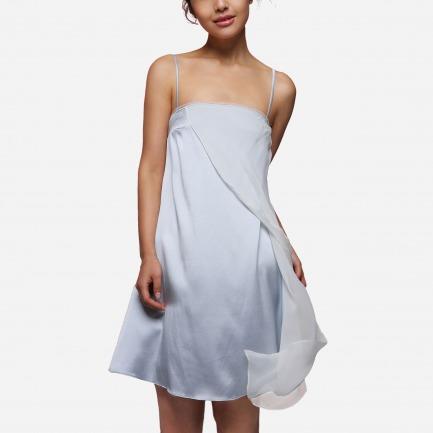 雪纺真丝拼接吊带睡裙 | 质地轻柔冰蓝色浪漫而灵动