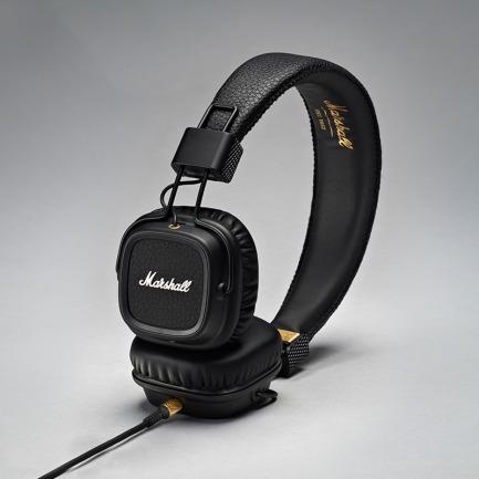 摇滚老炮儿的头戴式耳机 | 欧美明星出街必备单品