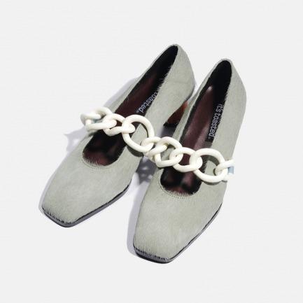 亚克力饰环马毛木跟鞋 | 伦敦时装周走秀款