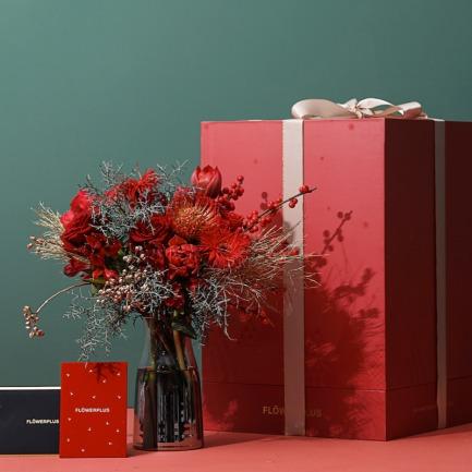 圣诞珍藏奢享主题鲜花礼盒 | 大到可以做床头柜的礼盒