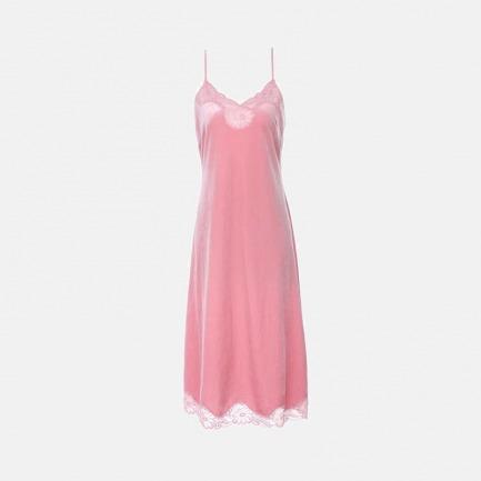 舒适性感珊瑚绒吊带睡裙 | 率性洒脱又不失俏皮感