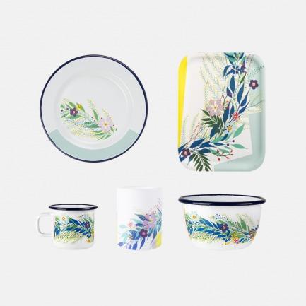 芬兰涂鸦搪瓷餐具 | 西班牙艺术家Nuria Nora设计