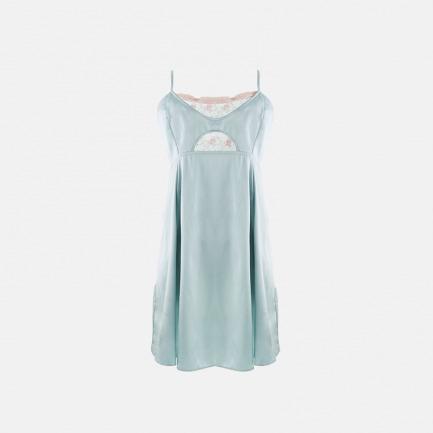 粉蓝小雏菊 刺绣真丝睡裙 | 双层镂空 涌动闺房的暗香