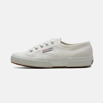 经典基础款帆布鞋 | 小白鞋流行的时尚鼻祖 连续销售100年