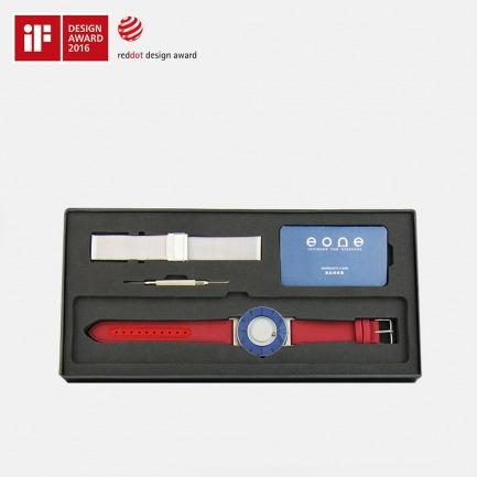 经典蓝触感磁力腕表   用触摸感知时间