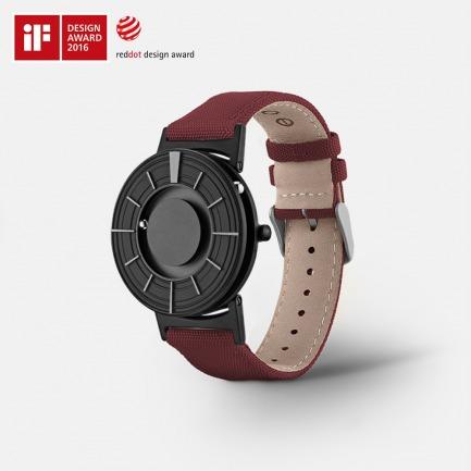 经典黑触感磁力腕表   用触摸感知时间