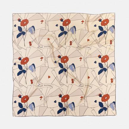 茶花纸牌真丝斜纹大方巾 | 100%桑蚕丝 双面缝合