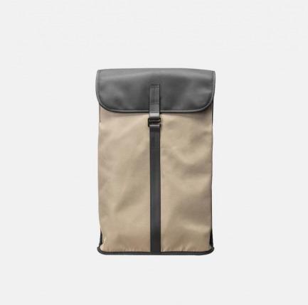 防泼水长方背包 | 贴心细节 小物可整齐放置