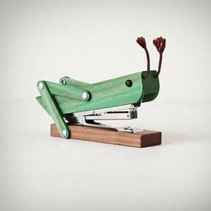 蚂蚱订书机