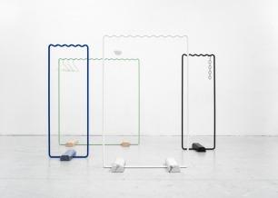 Wave-shaped clothes rails