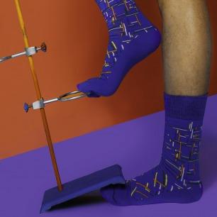 七彩条纹涂鸦袜子   原创个性图案 与众不同