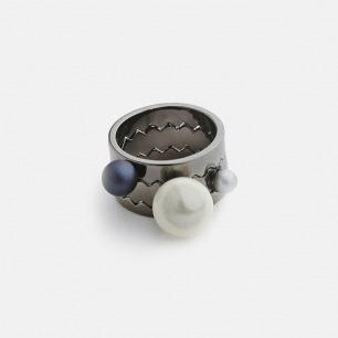 多圈珍珠戒指(钨金) | 珍珠、镀钨金  造型独特