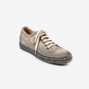 MARC JACOBS Distressed Sneaker 做旧低帮鞋