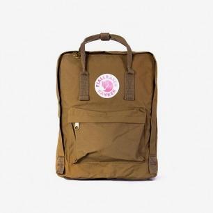 FJALL RAVEN - Kanken Bag in Sand   WG Trunk Co