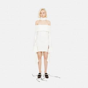 一字肩喇叭袖条纹连衣裙