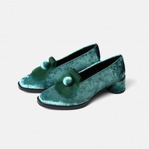 薄青丝绒低跟鞋   小众独特又具艺术感的美鞋