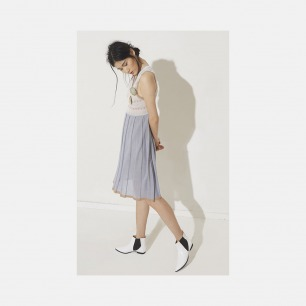 V领淡蓝百褶连衣裙 | 轻薄针织提花 舒适清凉
