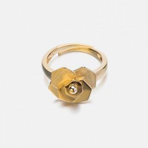 花瓣戒指 | 自然灵感下的迷人线条