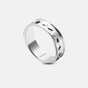 声誓定制波纹 女款戒指 | 张扬的造型 像热恋中的人