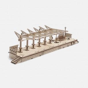 乌克兰木质机械传动模型   站台