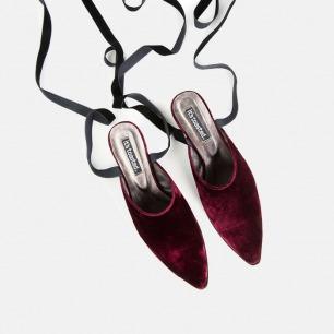 酒红丝绒绑带穆勒鞋   设计复古优雅 质感非凡