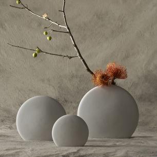 石上花花器 | 质朴石头质感致趣月圆造型