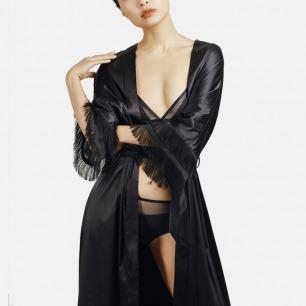 静谧黑绑带长袍 流苏边七分袖 | 腰间绑带轻系 可穿着出街
