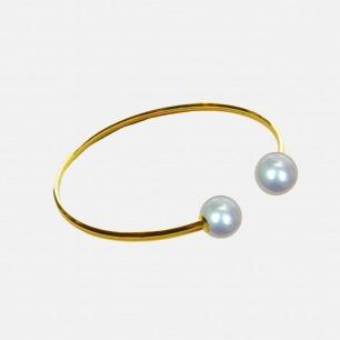 简约轻奢金手镯 嵌圆润海水珠 | 日本Akoya海水珍珠