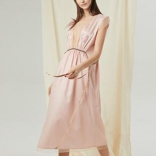 V领透视纯棉刺绣睡裙 | 性感露背设计 舒适日本棉