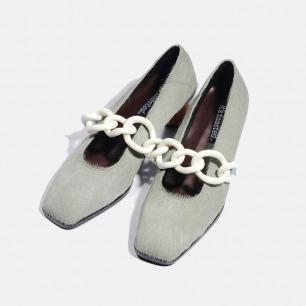 亚克力饰环马毛木跟鞋   伦敦时装周走秀款
