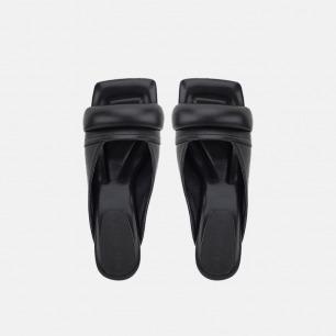 方头高跟凉鞋   圆润柱式和几何方形的碰撞