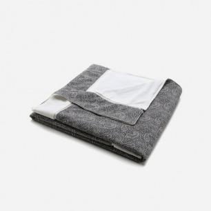 Onia Micro Paisley Beach Towel | EAST DANE