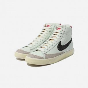 NIKE 复古运动鞋