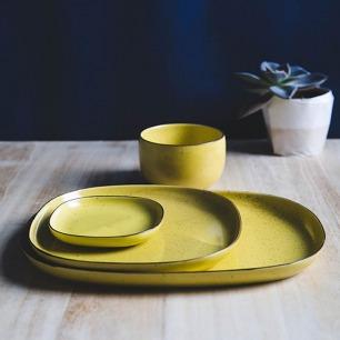 彩色方型餐盘-多色   日本的手工陶瓷品牌