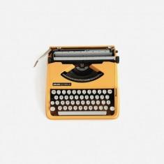 意大利 Olivetti LETTERA 82 老式英文打字机