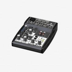 百灵达 XENYX 502小型调音台