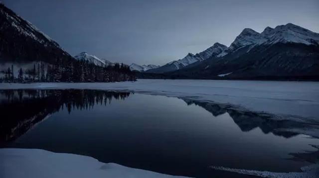 《荒野猎人》中那些逆天的摄影/《荒野猎人》中那些逆天的摄影