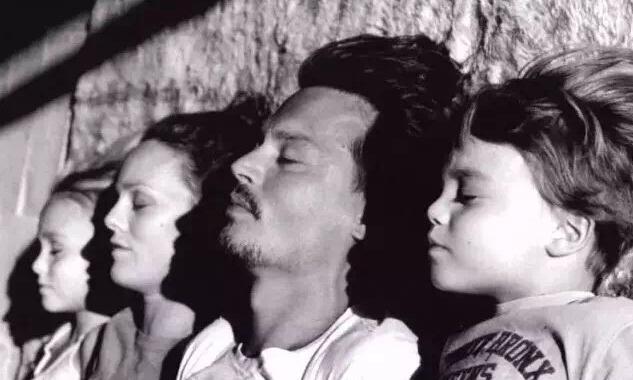 小贝、德普、盖茨、滚石主唱,他们是怎样做父亲的?/小贝、德普、盖茨是怎样做父亲的?