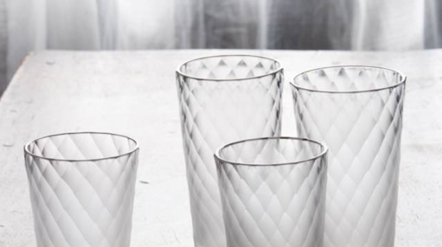 将四季做入了玻璃杯中的艺术家/将四季做入了玻璃杯中的艺术家