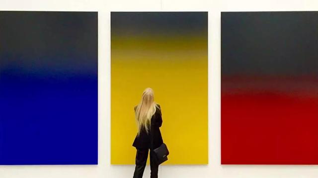 在这些渐变色里,完成一场冥想   发现小众艺术家/在这些渐变色里,完成一场冥想  