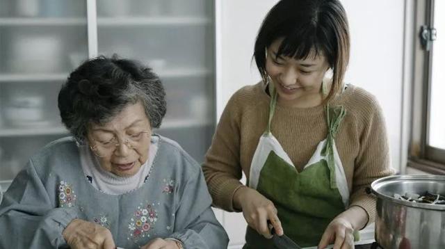 100位奶奶的家传食谱/100位奶奶的家传食谱