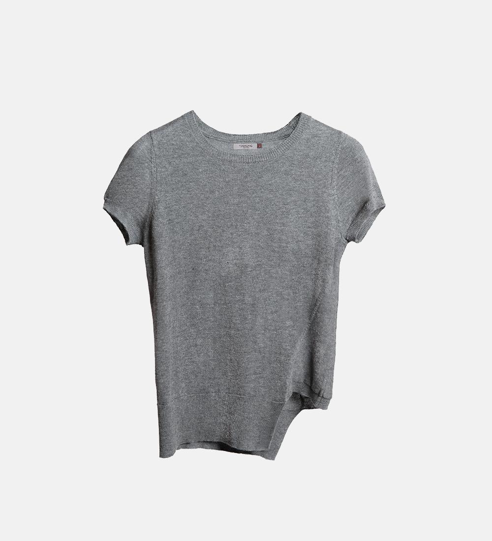 灰色针织T恤