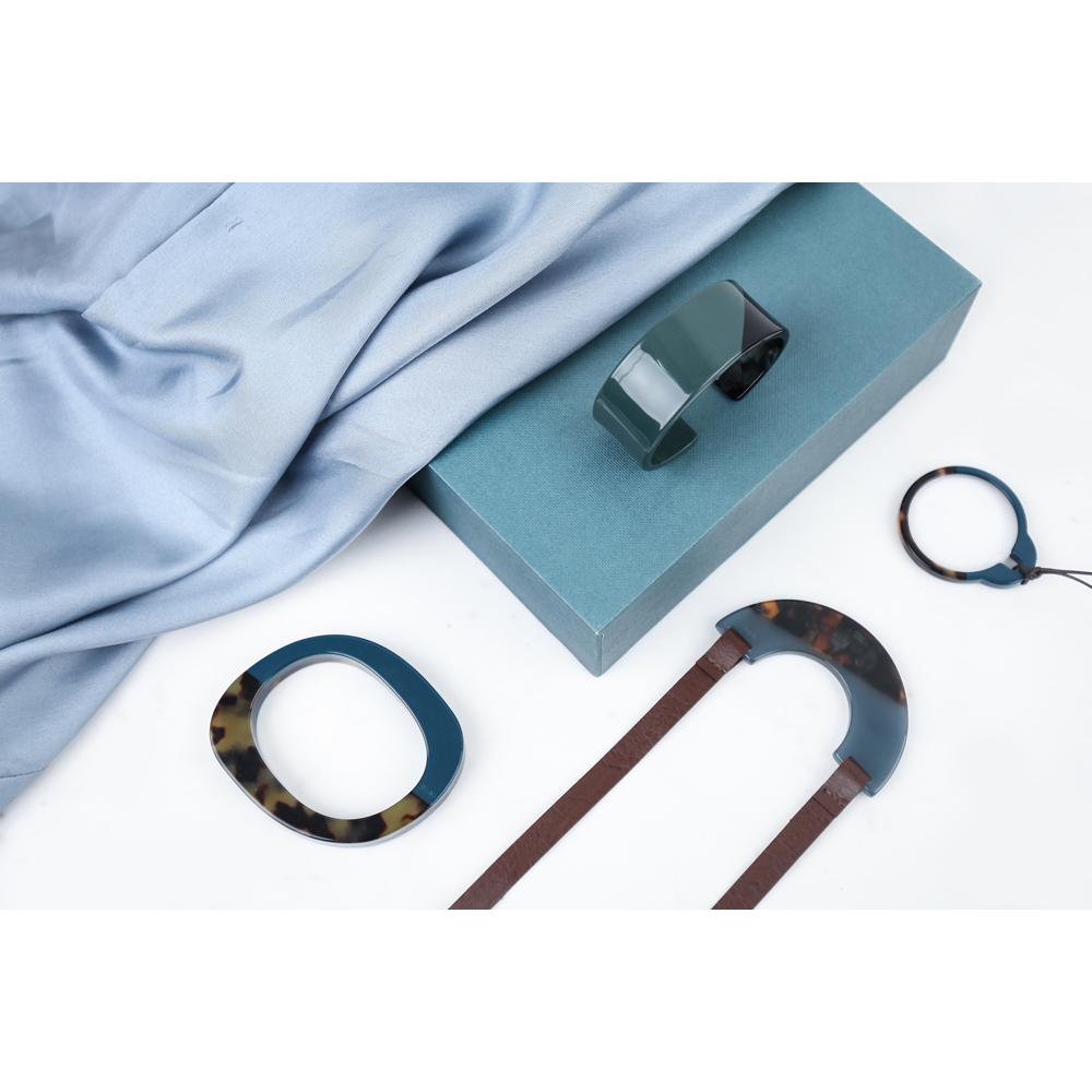 复古优雅水蓝玳项链 | 天然纹饰 匠人手工打磨